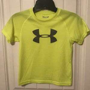 Under Armour Shirts & Tops - Under Armour Boys Size 5 yellow heat gear shirt
